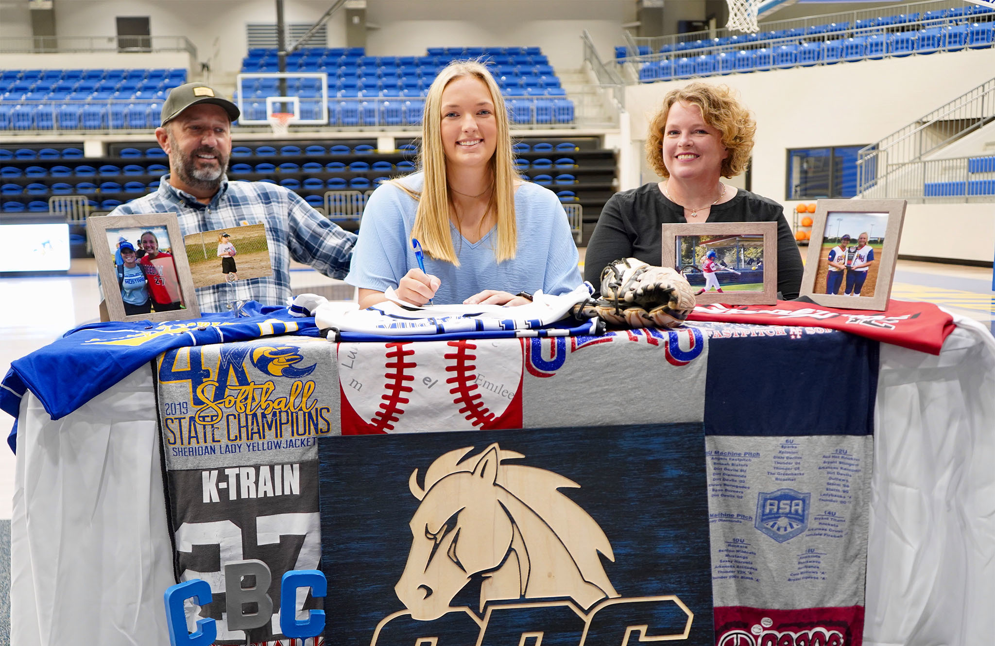 Kristen Waldern  signs letter of intent