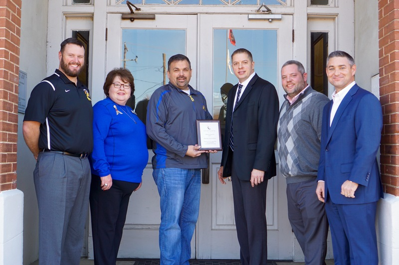 Chartwells presents Platinum Award to SSD
