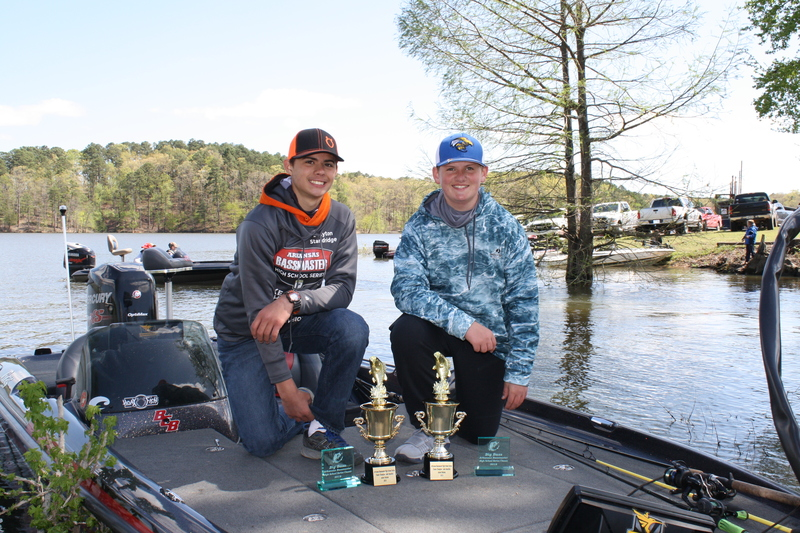 Drayton Standridge and Alex Gilingham Win Team of the Year in Arkansas Bassmaster High School Series